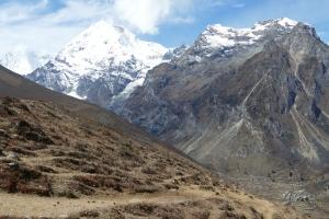 Approaching Drukyuel on Laya-Gasa trek